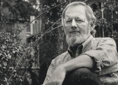 10 of the greatest essays on writing (Donald Barthelme (photo), George Orwell, Stephen King,...) at flavorwire -