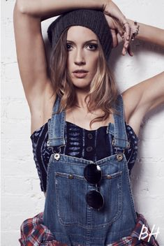 '90s grunge inspiration from Katie Cassidy