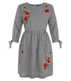Petite Black Gingham Floral Embroidered Smock Dress | New Look