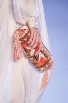 Ulyana Sergeenko Spring-Summer 2014 Haute Couture #beautiful #detalles #bag Trouve a coolchicstylefashion.com