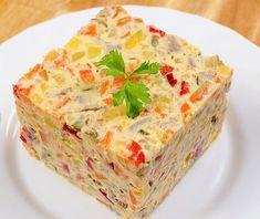 Salata de boeuf facuta in casa Crab Stuffed Avocado, Light Summer Dinners, Cottage Cheese Salad, Romanian Food, Romanian Recipes, Seasonal Food, Dinner Salads, Easy Salads, Quick Meals
