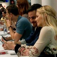 Colin O'Donoghue and Jennifer Morrison at the #OUaT autograph session! #sdcc2016