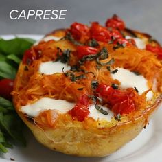 These spaghetti squash recipes are *probably* better than regular spaghetti Veggie Dishes, Vegetable Recipes, Vegetarian Recipes, Vegetarian Dinners, Low Carb Recipes, Cooking Recipes, Healthy Recipes, Easy Recipes, Summer Recipes