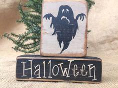 Primitive Country Ghost Halloween 2 piece Shelf Sitter Wood Block Set #primitivedecor #primitivehalloween #primitiveghost #countrydecor