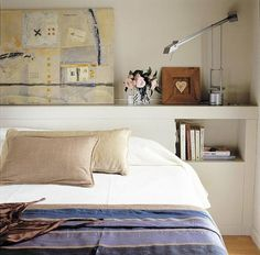Essential design choice in your mattress room is the headboard. In any case, it's the point of interest and may change the vibe of a room instantly. Bed Headboard Design, Headboard With Shelves, Headboards For Beds, Headboard Ideas, Home Decor Bedroom, Bedroom Wall, Interior Design, Room Interior, Furniture