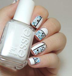 Maybelline Alley Attitude - Essie Blanc - Geometric nails - striping tape - glitter - nails - nailart