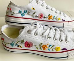 Hand Embroidery Designs, Diy Embroidery, Embroidery Patterns, Embroidery Sneakers, Long And Short Stitch, Shoes Heels Wedges, Painted Shoes, Pretty Shoes, New Hobbies