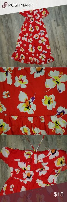 Cute bright floral print dress This is the perfect little summer dress! Red with beautiful orchid like floral print Dresses Strapless