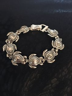 Turtle Bracelet Traditional Made Of Sterling Silver Fun Shopping, Crochet One Piece, Sea Jewelry, Vintage Diamond Rings, Jewelry Ideas, Venice, Turtle, Traditional, Sterling Silver