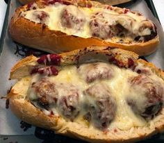 Homemade meatball Boats !!! - igidar Enchilada Recipes, Beef Recipes, Soup Recipes, Cooking Recipes, Cabbage And Beef, Cabbage Roll Soup, Mashed Potato Cakes, Leftover Mashed Potatoes, Best Meatballs