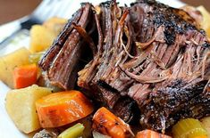 This Crock Pot Roast with Vegetables is a family favorite Sunday dinner! The meat is SO tender and delicious! This is a must-make slow cooker meal! Pot Roast Recipes, Healthy Crockpot Recipes, Slow Cooker Recipes, Beef Recipes, Dinner Recipes, Cooking Recipes, Crock Pot Roast, Crockpot Meals, Pot Roast Sauce Recipe