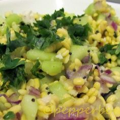 Kosambari is a traditional Indian salad recipe. One of the healthy Indian raw food recipe. Indian Cucumber Salad, Indian Salads, East Indian Food, Indian Foods, Raw Food Recipes, Indian Food Recipes, Ethnic Recipes, Cantaloupe Salad, Vegetable Salad Recipes