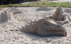 Sand Sculpture of Dragon and Warrior Ice Art, Snow Sculptures, Snow Art, Grain Of Sand, Dragon Art, Land Art, Art Festival, Beach Art, Wood Sculpture