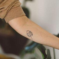Blatt Tattoo am Arm