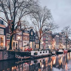 Amsterdam photo credit @een_wasbeer