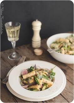 Nudelsalat mit grünem Spargel und Shredded Chicken Cold Dishes, Bastilla, Salad Dressing, Pasta Salad, Asparagus, Barbecue, Buffet, Salads, Meat