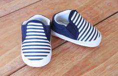 Sepatu style garis (kode D-1) @ 55 K