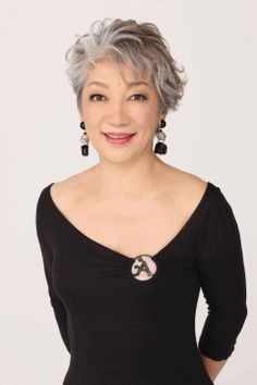 Silver Ash Hair, Grey Hair Inspiration, Grey White Hair, Short Hair Model, Old Women, Asian Woman, Curly Hair Styles, Cool Hairstyles, Hair Cuts