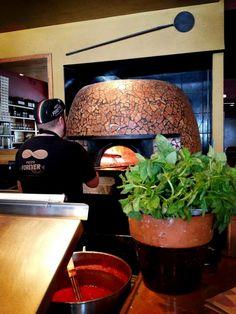 Thanks for the photo @ciciocastro  RT: Now that's fresh basil and a legit wood burning oven. Pizzzzzzza Napoletana joint in San Antonio @DoughPizzeria pic.twitter.com/oyo5SIMOyI