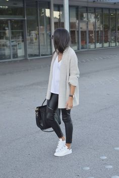 Beige cardigan, white t-shirt, black leather leggings & white trainers | @styleminimalism