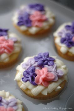 chees frost, frostings, hydrangea design, flower cupcakes, baking, lemon cream, flowers, lemon cupcakes, cream cheese frosting