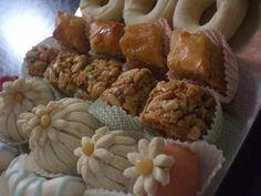 crimetcondiment: Leçons de pâtisserie entre amies 2/ Kââk warka ou couronnes feuilletées tunisiennes