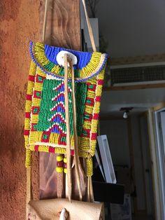 Strike a lite bag Native American Beading, Native American Art, American Indians, Beaded Belts, Sunflower Wall Decor, Knife Sheath, Leather Bags, Pouches, Beadwork