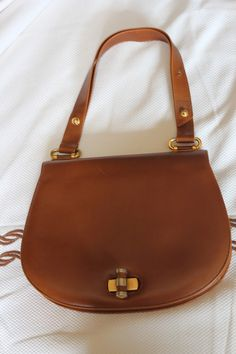 60's elegant sports bag with bamboo clasp