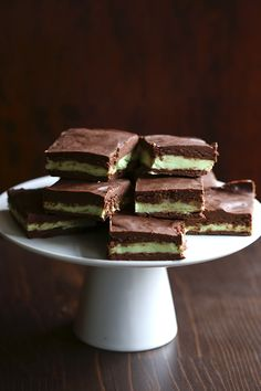 Low Carb Sugar-Free Chocolate Mint Fudge! Perfect sweet minty treat for your favorite people