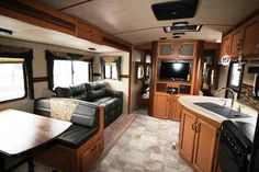 2016 New Crossroads Sunset Trail 270BH Travel Trailer in Colorado CO.Recreational Vehicle, rv, 2016 Crossroads Sunset Trail270BH, 2nd Clear Skylight w/Shade, 30# LP Tanks and Cover, 64in Tri-Fold Sleeper Sofa, Decor- Enzo, EXTREME WEATHER PKG, One Piece Black Sink Cover, Outside Kitchen, RVIA Seal, Sunset Package, Winterization,