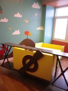 Could definitely make this out of an ikea sundvik bed. Ikea Sundvik, Ikea Kura, Big Boys, Little Boys, Airplane Bed, Cartoon Heart, Grand Kids, Boy Rooms, New Beds