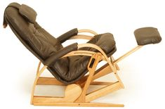 Brigger Furniture Ultra Recliner in Leather. Features fully reclining ergonomic comfort, built to fit your body. http://www.briggerfurniture.com/custom-comfort/recliners/