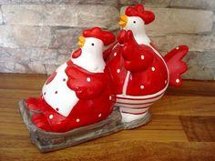 Duo de poules en céramique rouge : 8,95€