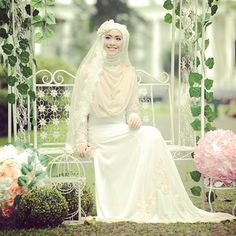 syari style for wedding. you are so beautifull okii.. (envy)