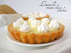 une gamine dans la cuisine: Limoncello Cream Cheese Tartelettes