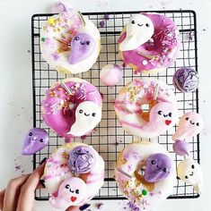 Purple Halloween, Halloween Birthday, Halloween Cakes, Halloween House, Spooky Halloween, Halloween Themes, Happy Halloween, Halloween Decorations, Halloween Inspo