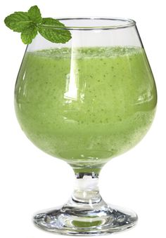 ~Shamrock Shake Recipe~    Run away from the calorie laden drive-thru! This minty Shakeology recipe satisfies your sweet tooth and your desire to raise a glass to St. Patrick, but it's great any time of the year. Get your Shakeology for your recipe here: santofitlife.com/nutrition/shakeology #health #nutrition #wellness santofitlife.com