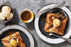 Four ways with jaffle desserts. The sweet fillings you need to know about Apple And Berry Crumble, Apple Pie, Snack Recipes, Dessert Recipes, Camping Recipes, Snacks, Steak And Ale, Self Saucing Pudding, Best Macaroni And Cheese