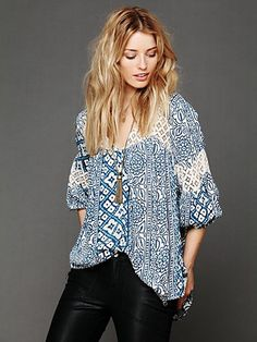 Printed Bubble Sleeve Tunic. http://www.freepeople.com/whats-new/printed-bubble-sleeve-tunic-26268334/