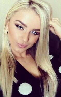 Love the makeup look, not to over the top... Love the blonde hair brown eyebrows too