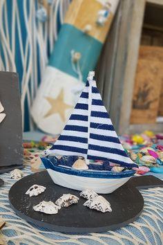 Ξύλινο καραβάκι με πανί ελληνικής σημαίας για διακόσμηση  #summerdecoration #DIYdecoration #DIYsummer_decoration #καλοκαιρινη_διακοσμηση #barkasgr #barkas #afoibarka #μπαρκας #αφοιμπαρκα #imaginecreategr