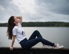 Friend Poses Photography, Teenage Girl Photography, Portrait Photography Poses, Couple Photography Poses, Portrait Poses, Cute Poses For Pictures, Poses For Photos, Best Photo Poses, Girl Photo Poses