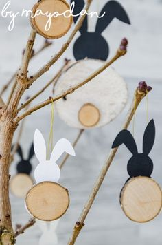 DIY bunny made of branches - Rabbit charm made of branches Informations About DIY Häschen aus Astscheiben Pin You can easily use - Diy For Kids, Crafts For Kids, Spring Decoration, Home Decoration, Diy Crafts To Do, Easter Crafts, Happy Easter, Diy Gifts, Christmas Diy