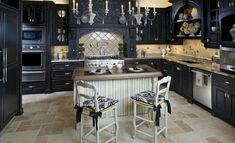 Flawless 25+ Amazing Black Kitchen Cabinets Design For Amazing Kitchen https://freshouz.com/25-amazing-black-kitchen-cabinets-design-amazing-kitchen/ #home #decor #Farmhouse #Rustic
