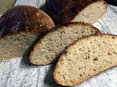 Špaldový chlieb z kvásku • recept • bonvivani.sk Bread, Ale, Food, Amazing, Brot, Ale Beer, Essen, Baking, Eten