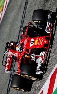 2017/5/14:Twitter:@AlbaEmilian:#F1 #SpanishGP Q #Vettel @ScuderiaFerrari #ForzaFerrari #SebastianVettel #Ferrari #Seb5 #SF70H @F1