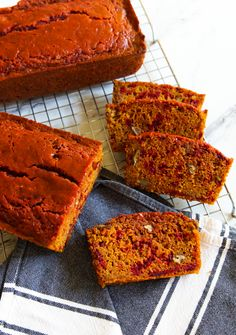 Beets & Turmeric Quick Bread - Bake at Beet Bread Recipe, Crust Recipe, Blueberry Loaf, Zucchini Banana, Cauliflower Bread, Make French Toast, Beet Recipes, Beer Bread, Bread Baking