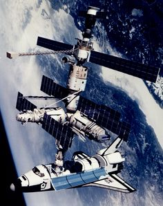 Technical Rendition of STS-71 Docked to Mir   Flickr - Photo Sharing!