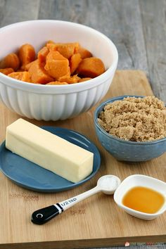 Learn how to make candied yams for your next family meal, it's so simple! This candied sweet potatoes recipe is easy and delicious! Can Yams Recipe, Best Candied Yams Recipe, Sweet Potato Dishes, Sweet Potato Recipes, Easy Thanksgiving Recipes, Thanksgiving Sides, Awesome French Toast Recipe, Canned Yams, Dinner Dishes