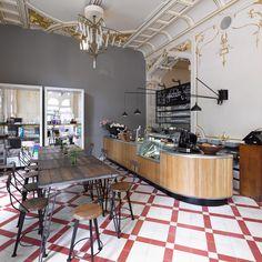 Die Bar im Shop Supersense, hier trifft Venezianisch auf Industrial | creme wien